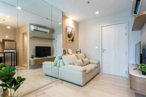 For RentCondoWitthayu,Ploenchit  ,Langsuan : 💕 Beautiful room for rent, Life one wireless condo, 14th floor, size 35 sq m. Ready to move in. Price is negotiable.