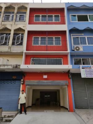 เช่าตึกแถว อาคารพาณิชย์เสรีไทย-นิด้า : ให้เช่าตึกอาคารพาณิชย์ปรับปรุงใหม่เนื้อที่  20 วา 4นอน4น้ำ 2แอร์ ถนนเสรีไทย ราคาเช่า18000ต่อเดือน