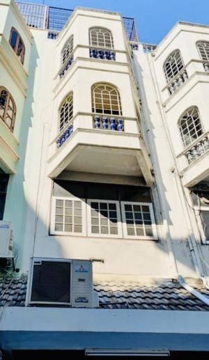 For RentShophouseWitthayu, Chidlom, Langsuan, Ploenchit : Commercial building, prime location, @BTS Chidlom 200 meters.