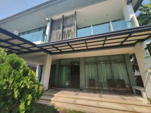 For SaleHousePattanakan, Srinakarin : 2-storey house, Setthasiri Srinakarin-Rama 9, 4 bedrooms, 4 bathrooms, over 300 square meters of usable area, fully furnished, ready to move in