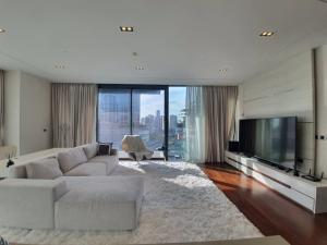For RentCondoSukhumvit, Asoke, Thonglor : (Available) Condo The Marque Sukhumvit, on Sukhumvit Road, near Emquatier, 2 bedrooms, 3 bathrooms, 138 sq m, fully furnished.