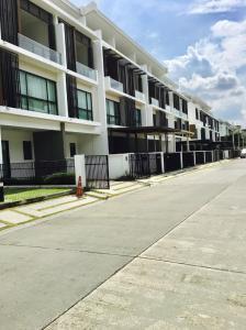 """เช่าทาวน์เฮ้าส์/ทาวน์โฮมนวมินทร์ รามอินทรา : ให้เช่า ทาวน์โฮม 3 ชั้น 209 ตรม. """"The Terrace"""" ในเครือ Land&Houses อยู่ถนนเมน น่าอยู่เหมาะกับการพักอาศัยและทำโฮมออฟฟิศ"""