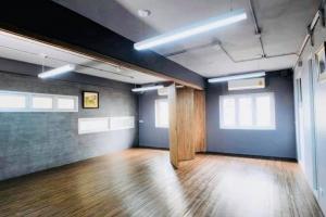 For RentOfficeSathorn, Narathiwat : Office for rent Sathorn - Silom @BTS Surasak.