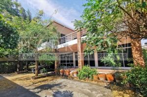 For RentHouseSukhumvit, Asoke, Thonglor : House for rent, Soi Thonglor (Soi Tararom 2) - price negotiable