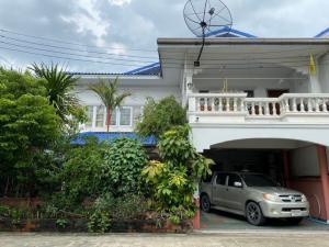 For SaleHouseLadprao 48, Chokchai 4, Ladprao 71 : House for sale, Chokchai 4, area 50 sq.w., 5 bedrooms, 3 bathrooms, near BTS Chokchai 4, Central East Ville.