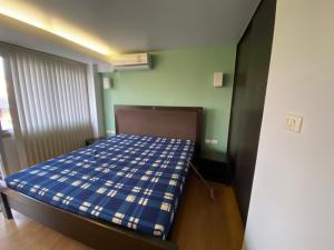 For SaleCondoRatchadapisek, Huaikwang, Suttisan : Beautiful room for sale, Family Park Condo Ladprao 48, 2nd floor, light price, only 9. 9 hundred thousand baht with tenants 6, 000 / month