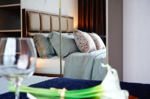 For RentCondoOnnut, Udomsuk : lower price! Life Sukhumvit 48 condo for rent!