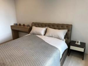 For RentCondoWitthayu,Ploenchit  ,Langsuan : ✅ For rent, Life One Wireless, near BTS, size 28 sqm, fully furnished and electrical appliances ✅