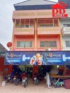For SaleShophouseLadkrabang, Suwannaphum Airport : Quick sale, cheap, commercial building, 2 booths, 4 floors, Soi Thung Setthi 26, corner room, near Ramkhamhaeng University 2, near Mega Bangna, expressway, Bangna Road, Kanchanaphisek Ring Road