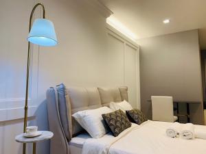 For RentCondoWitthayu,Ploenchit  ,Langsuan : Very cheap rent, fully furnished, Life One Wireless