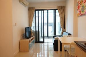 For RentCondoRatchadapisek, Huaikwang, Suttisan : Condo for rent, Ideo Ratchada-Huai Khwang, near MRT Huai Khwang, 10 meters, ready to move in.