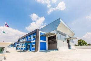 For RentWarehouseBangna, Lasalle, Bearing : Warehouse for rent, factory with office area 1,133 square meters, Bangna-Trad Road Km 23, near Suvarnabhumi Airport, new construction, new condition, large car, easy access.