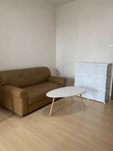 For RentCondoRama9, RCA, Petchaburi : * Condo for rent: Supalai Veranda Rama 9, 23rd floor, fully furnished + electric