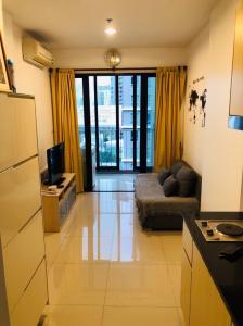 For RentCondoRatchadapisek, Huaikwang, Suttisan : Condo for rent, next to MRT Huai Khwang, only 80 meters, IDEO RATCHADA-HUAYKWANG.