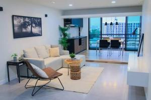 For SaleCondoPinklao, Charansanitwong : Condo for sale, P. Thana Tower 1, near BTS Chokchai 4, room size 127 sq m, 2 bedrooms, 1 bathroom, 5th floor, facing south. Fully furnished with furniture