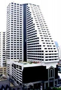 For RentCondoNana, North Nana,Sukhumvit13, Soi Nana : Omni Tower Sukhumvit Nana, ready to move in, 62 sqm, prices start at 13500 baht.