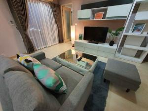 For RentCondoRama9, RCA, Petchaburi : MN489 My Resort Bangkok for rent, near MRT Phetchaburi, size 46 sq m, corner room.