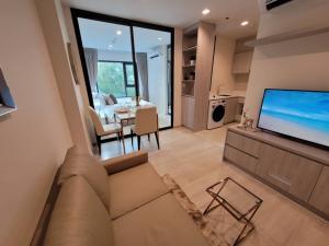 For RentCondoWitthayu,Ploenchit  ,Langsuan : FOR RENT @ Life One Wireless,  450 meters to  BTS Ploen Chit  Only 2 Stations to Siam, #ไลฟ์วันไวร์เลส #LuxuryCondo