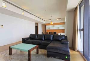 เช่าคอนโดสาทร นราธิวาส : The Met Sathorn - 3 Bedrooms / 199 Sqm / High Floor / Luxury Unit / Open Views