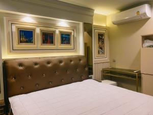 For RentCondoLadprao, Central Ladprao : Life Ladprao 26 sq m. 15,500 per month, if not taking a car park, high-class dressing room, complete electrical appliances 095-249-7892