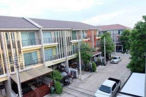 For RentTownhouseRama 2, Bang Khun Thian : For rent vista park Rama 2 after Central 3 bedrooms 3 bathrooms 2 parking 25000 per month