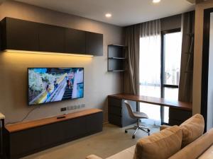 For RentCondoSiam Paragon ,Chulalongkorn,Samyan : For rent Ashton Chula-Silom, next to MRT Samyan, beautiful room, fully furnished.