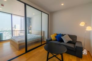 For SaleCondoSathorn, Narathiwat : Condo for sale Noble Revo Silom - 1 Bedroom, size 34 sq.m., price 6.29 million baht.