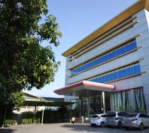 เช่าโรงงานลาดกระบัง สุวรรณภูมิ : ให้เช่า คลังสินค้า - สำนักงาน ติดถนนใหญ่ 1,328 ตร.ม. ลาดกระบัง ใกล้สนามบินสุวรรณภูมิ  Warehouse for rent - Office on the main road 1,328 sq m, Lat Krabang, near Suvarnabhumi Airport