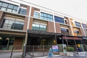 For SaleTownhouseBangna, Lasalle, Bearing : Sale LPN Town Ville Bangna, 3-storey townhouse located on Bangna Srinakarin Road, close to Maple Road, Sri Iam Thai Temple, Life Insurance, Green Line.