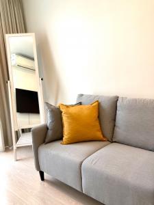 For RentCondoOnnut, Udomsuk : RENT 1 Bedroom Rhythm Sukhumvit 44/1 Minimal style + newly painted + new furniture