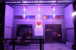 For RentShophouseNana, North Nana,Sukhumvit13, Soi Nana : 3-storey commercial building for rent, Thonglor area, Thonglor Soi 6, near BTS Thonglor, suitable for pubs, restaurants, spas.