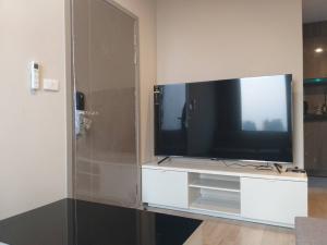 For RentCondoBangna, Lasalle, Bearing : For rent, Ideo Mobi Sukhumvit East Point, BTS Bangna studio room, 30 sq m. 12,000 per month.