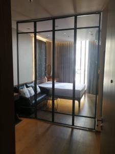 For RentCondoSukhumvit, Asoke, Thonglor : Condo for rent, Park 24, Phrom Phong, Sukhumvit 24, building 6 floors, Studio 28.9 sq m, fully furnished.