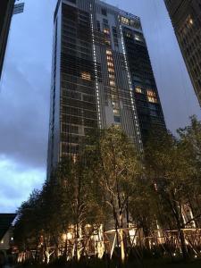 เช่าคอนโดสุขุมวิท อโศก ทองหล่อ : เช่าด่วน !! ชั้นสูง แต่งสวย ราคาดีมากกก Park 24 (Sukhumvit 24)