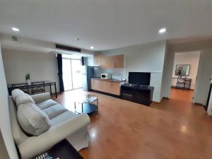 For RentCondoSukhumvit, Asoke, Thonglor : Project: The Capital Sukhumvit 30/1 Room: 706 Type: 2Beds / 2Baths Size: 92.sqm Floor: 7