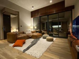 เช่าคอนโดสุขุมวิท อโศก ทองหล่อ : Rental : The Loft  Asoke ,  2 bed 2 bath 85.4 sqm , Corner Unit , Floor 25🔥🔥Rental Price: 72,000 THB / Month 🔥🔥**Selling 19,100,000 THB** Transfer Fee 50/50📌Refrigerator📌Airconditioner📌Microwave📌Water Heater📌Washing Machine📌TVMore Information📱Tel : 064-97