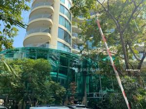 For SaleShophouseSukhumvit, Asoke, Thonglor : 8-storey service apartment for sale in the heart of the city, Sukhumvit 71 (Pridi Banomyong) on an area of 507 square wa, price 650 million baht.
