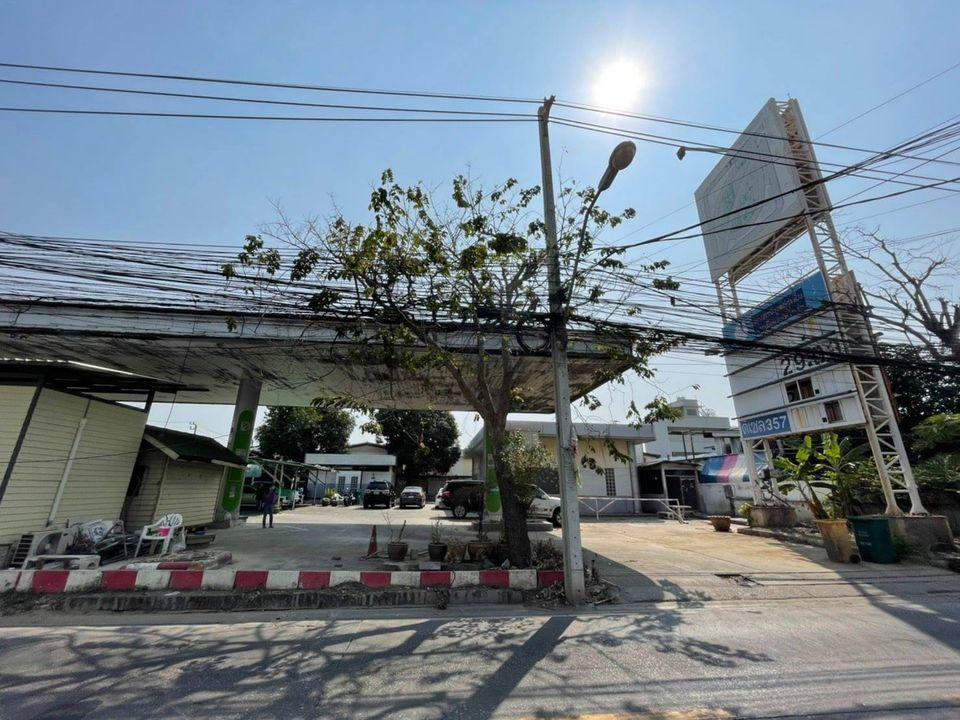 For RentLandRatchadapisek, Huaikwang, Suttisan : ให้เช่าที่ดินติดถนนสุทธิสาร ย่านสุทธิสาร ใกล้MRTสุทธิสาร เนื้อที่ 232 ตารางวา ติดถนนใหญ่
