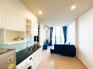 For RentCondoSukhumvit, Asoke, Thonglor : Noble Recole - New Condo Close to MRT & BTS Asoke - 1 Bd. Unit with Garden View for Rent