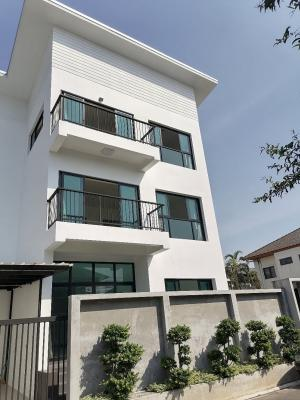 For SaleHouseLadprao 48, Chokchai 4, Ladprao 71 : Single house for sale, 3 floors, 54 sq m, 12 million, beautiful condition, style, Ladprao, Chokchai 45 bedrooms, 9 bathrooms, parking for 2 cars. Money to decorate, make a new house, the whole house is in very good condition, good ventilation, can have a