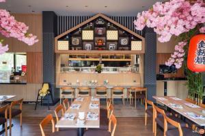 เซ้งพื้นที่ขายของแจ้งวัฒนะ เมืองทอง : BB052 เซ้งร้านอาหารญี่ปุ่น ใกล้ ม.ธุรกิจบัณฑิตย์  ติดถนนใหญ่ นนทบุรี ราคาเพียง 2,060,000 บ.