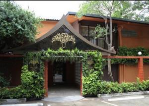 เช่าบ้านนานา : ให้เช่าบ้านเดี่ยว 100 ตรว ซอยสุขุมวิท 31 เข้าซอย 450 เมตร ใกล้ BTS พร้อมพงษ์ เหมาะทำสปา ร้านอาหาร