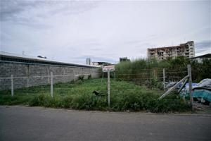 For SaleLandOnnut, Udomsuk : Land for sale 142 sq m. Soi Udom Suk 42 intersection 9-1 52,000 baht per wah.