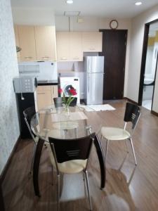 For RentCondoSukhumvit, Asoke, Thonglor : Condo for rent, City Smart Condo, Sukhumvit 18, 2 bedrooms, 2 bathrooms, size 85 sq m, price 28,000 baht / month