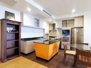 For RentCondoSathorn, Narathiwat : Chatrium condo for rent, 2 bedrooms, 120 sqm., High floor, shrewsbury school side, near Asiatique, river view.