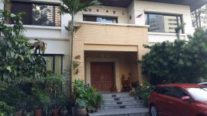 For SaleLandNana, North Nana,Sukhumvit13, Soi Nana : Land for sale, Soi Nana (Sukhumvit Soi 3) 663 square wa. Just 500 meters away from Sukhumvit, suitable for building a condo hotel.