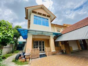 For SaleHouseBang kae, Phetkasem : 2 storey detached house for sale, Wararom Phetkasem 81, size 85 sq m, area 302 sqm.