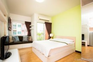 For RentCondoWongwianyai, Charoennakor : Condo for rent, My Condo Sathorn-Taksin, 25 sqm, 4th floor, near BTS Wongwian Yai, only 150 meters, fully furnished.