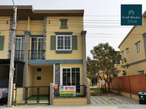 For SaleTownhouseBang kae, Phetkasem : Townhome for sale, Golden Town Bang Khae. The house, near the clubhouse, Convenient travel Near Lak Song station, only 2 km. Easy access to town / out of town