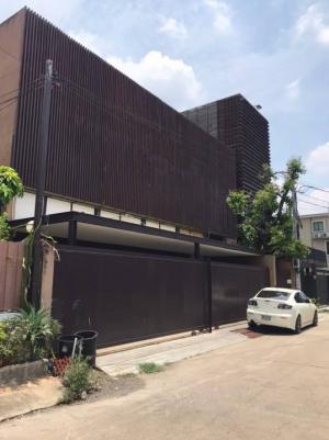 For SaleHouseLadprao 48, Chokchai 4, Ladprao 71 : Selling : Single House Nak Niwat 18  100 sqw.4 bed 6 bath 4 Parking  and 2 Multipurpose room 3 Floors